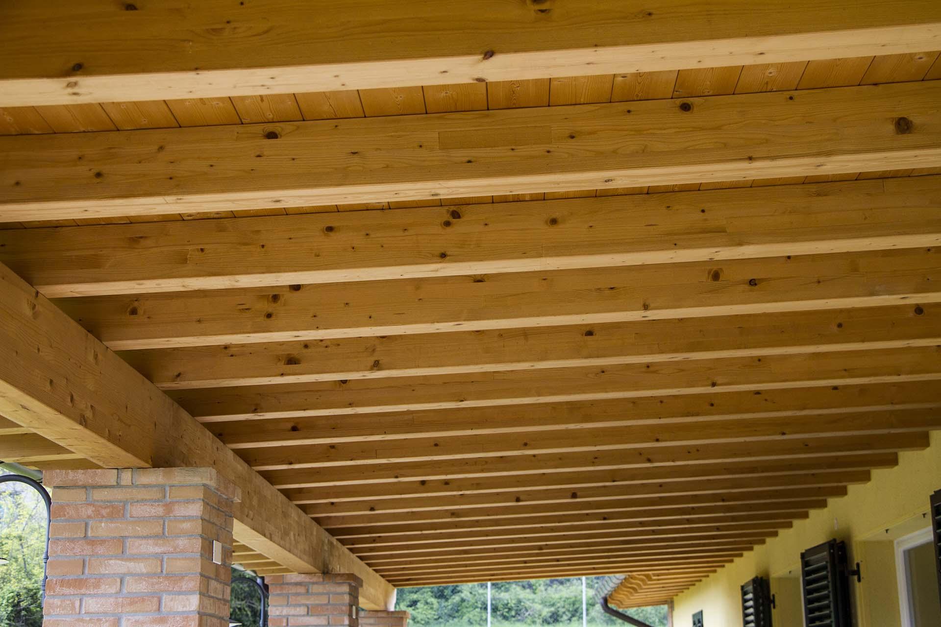 soffitto in legno veranda-mazzocchi legno-strutture edili
